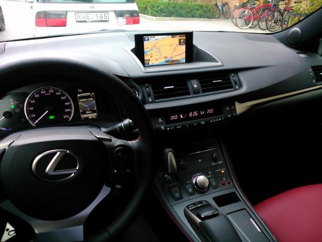 Lexus CT200 (4)