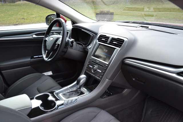 Ford Mondeo kombi 2015 (8)640