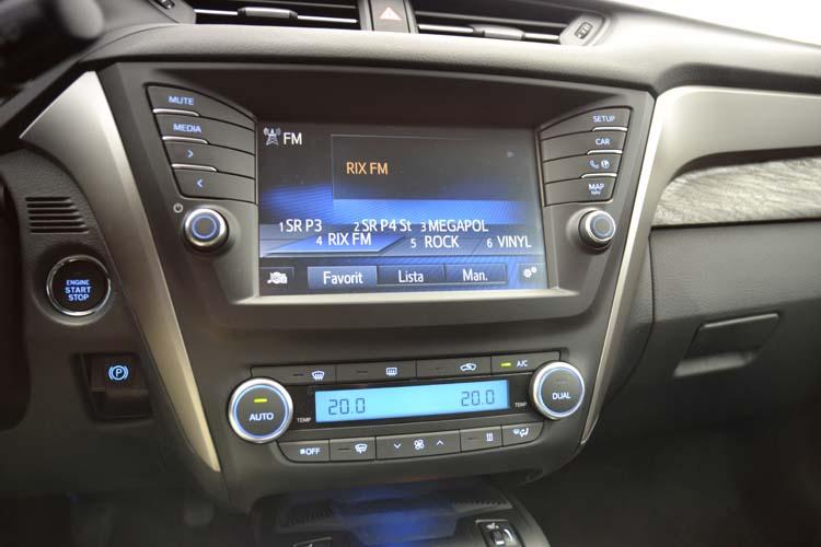 Toyota Avensis kombi 2015 (29)750