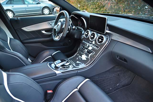 Mercedes C63 interiör (29)640