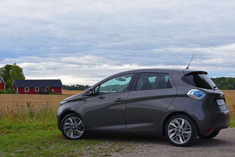 Renault-Zoe-electric-car-(16)e