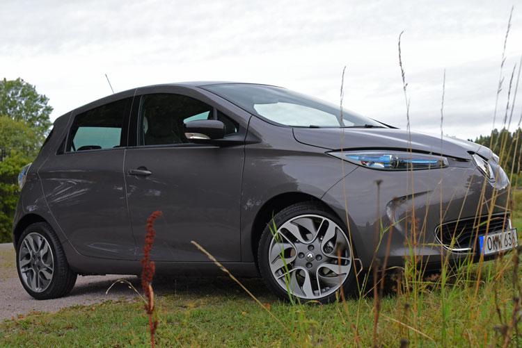 Renault-Zoe-electric-car-(27)e