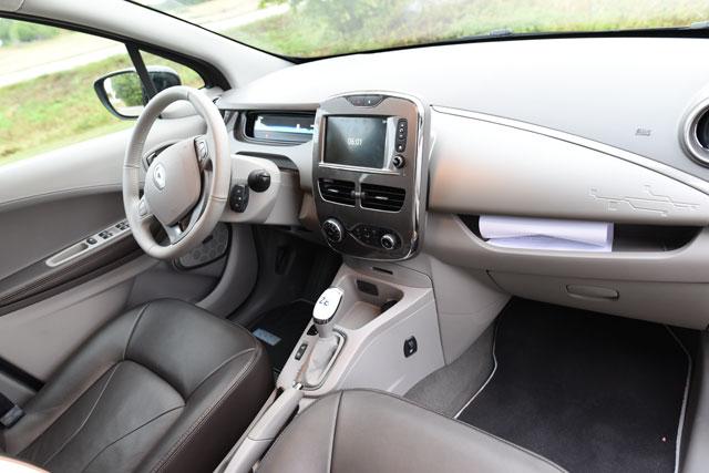 Renault-Zoe-electric-car-(9)e
