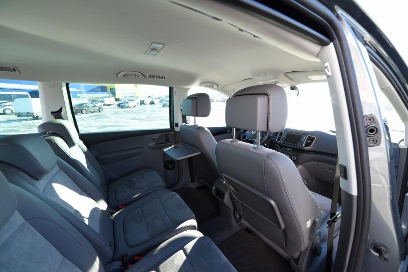Volkswagen Sharan 2017 (1)